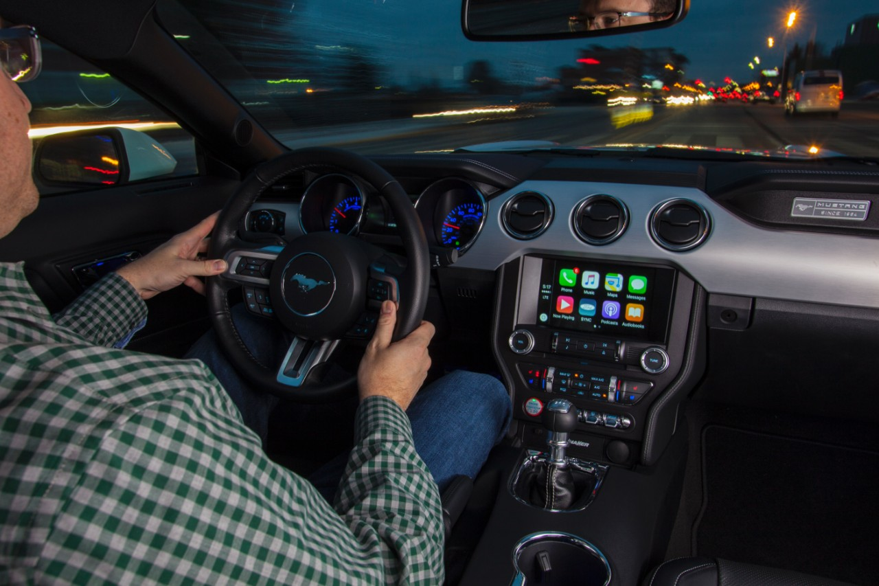 #CES2016: Ford & Fiat-Chrysler Get on CarPlay, Android Auto Bandwagons